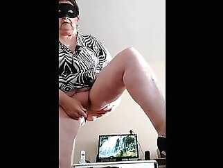 Drucy, I'm a French granny lover sex toy amateur